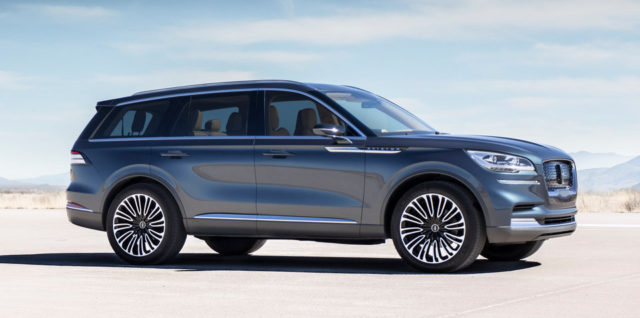 2019 Lincoln Aviator side