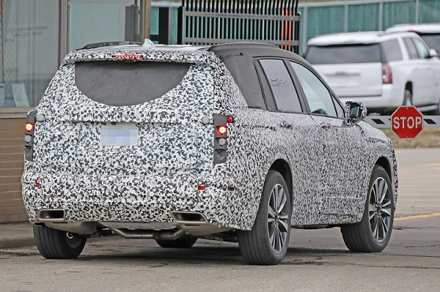 2020 Cadillac XT6 spy rear