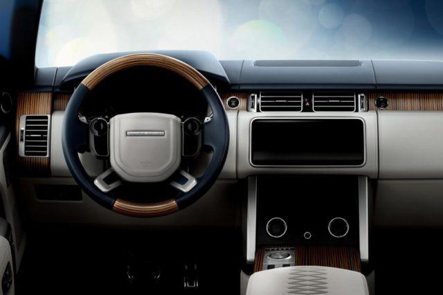 2019 Range Rover SV Coupe dash