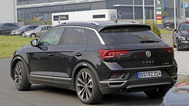 2019 Volkswagen T-Roc R spy rear