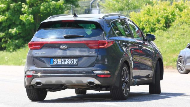 2019-kia-sportage-refresh-spy-shots-rear