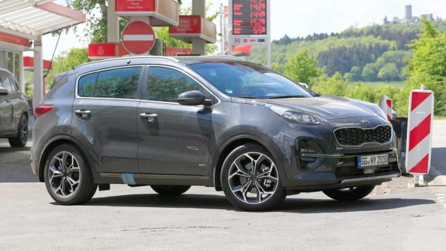 2019-kia-sportage-refresh-spy-shots side