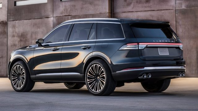 2020 Lincoln Aviator plug-in hybrid rear