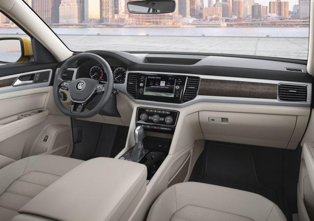 2019 Volkswagen Teramont cockpit