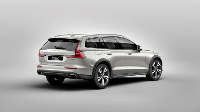 2019 Volvo V60 Cross Country rear