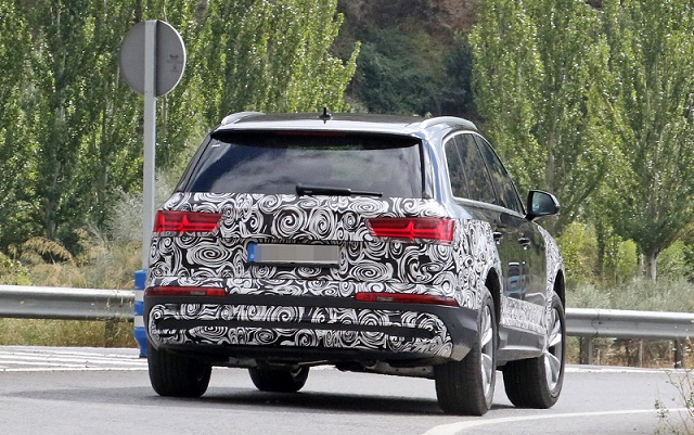 2020 Audi Q7 refresh rear