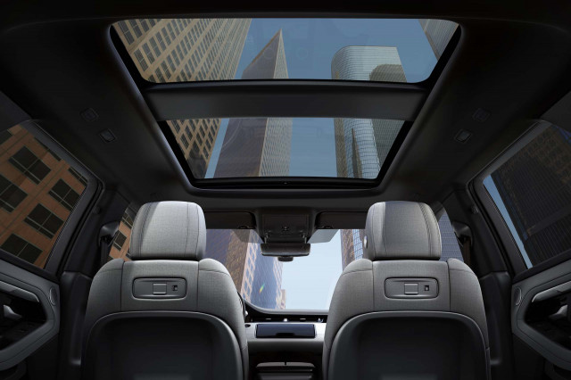 2020-land-rover-range-rover-evoque seats