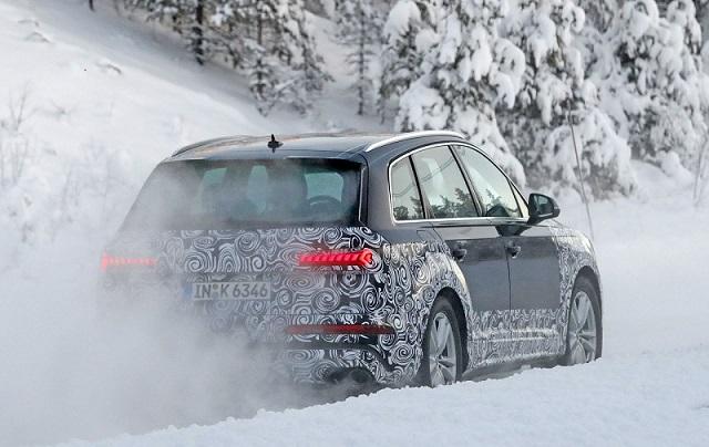 2020 Audi SQ7 facelift spy rear