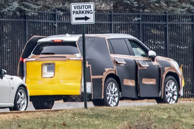 2020 Toyota Highlander spy rear