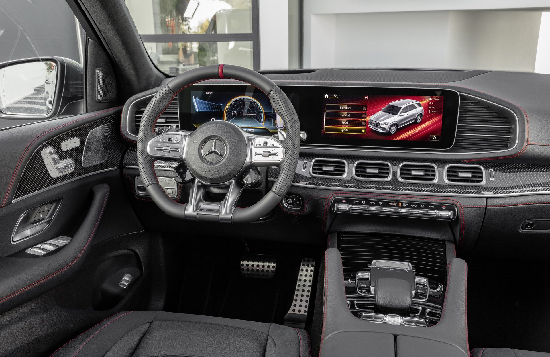 2020 Mercedes-AMG GLE53 4Matic+ cockpit
