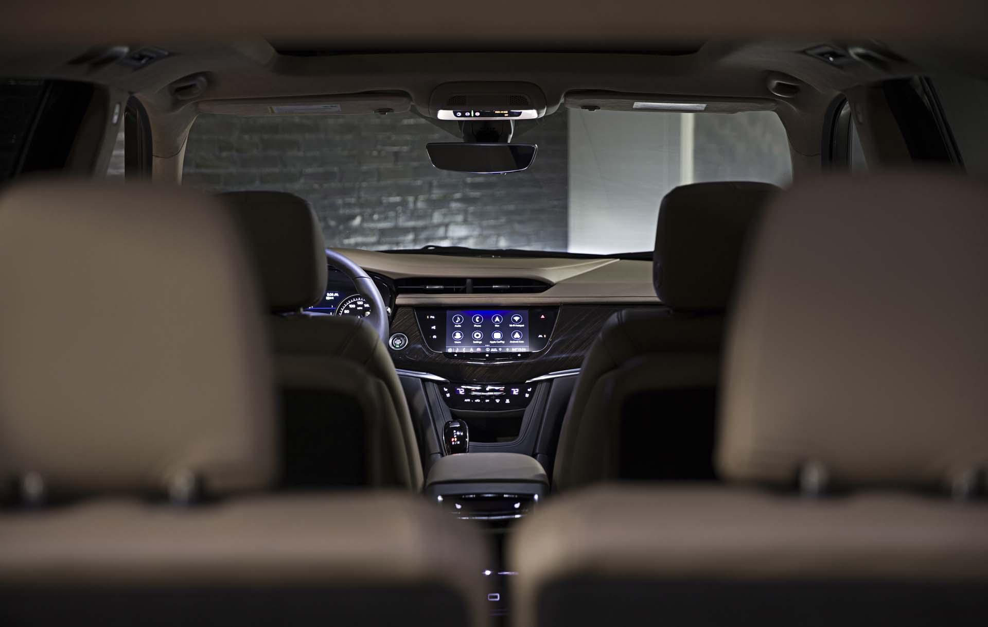 2020 Cadillac XT6 cabin