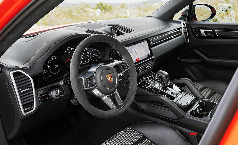 2020 Porsche Cayenne Coupe cabin