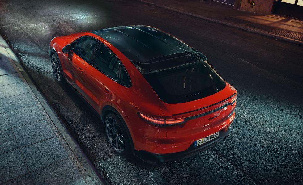 2020 Porsche Cayenne Coupe rear end