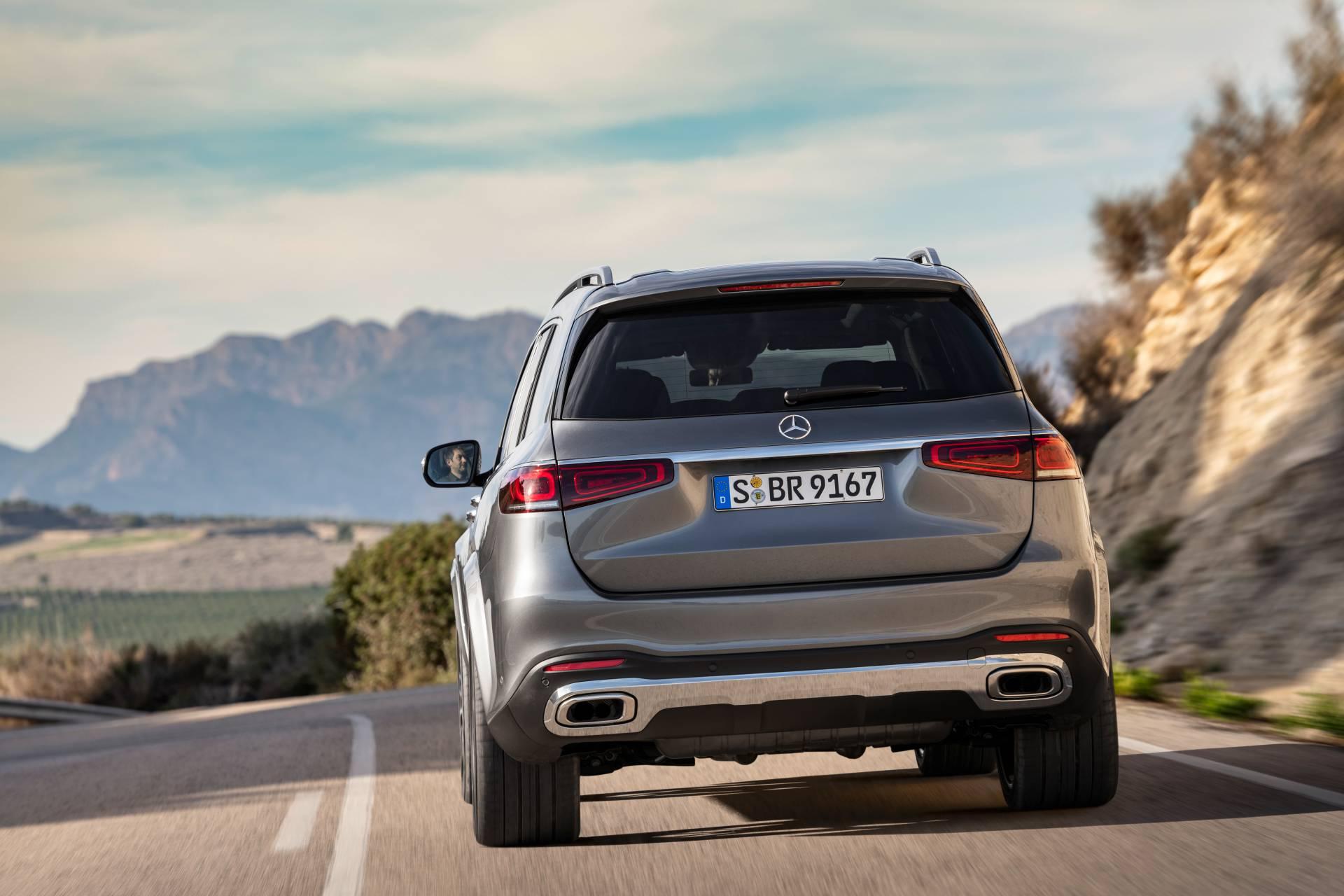 2020 Mercedes-Benz GLS rear-view